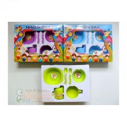 Nishikawa Feedingset Tanggung idr 35rb per set - Plastik BPA Free