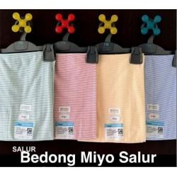Bedong Bayi Salur Miyo uk 90 x 110cm idr 42rb per pc