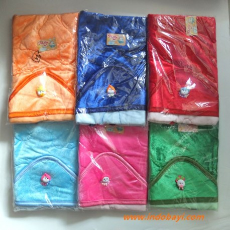 Selimut Bertopi Baby Trully idr 37rb per pc